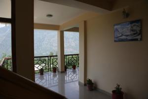 Malis Apple Lodge, Bed & Breakfasts  Nagar - big - 31