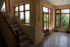 Malis Apple Lodge, Bed & Breakfasts  Nagar - big - 33