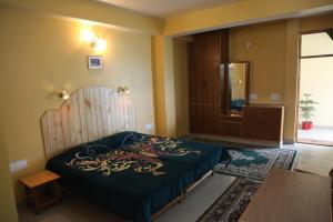 Malis Apple Lodge, Bed and breakfasts  Nagar - big - 2