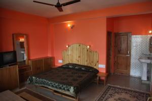 Malis Apple Lodge, Bed & Breakfasts  Nagar - big - 21