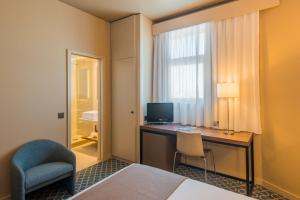 Hotel Dom Henrique - Downtown, Отели  Порту - big - 15
