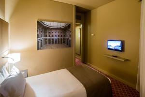 Hotel Dom Henrique - Downtown, Отели  Порту - big - 8