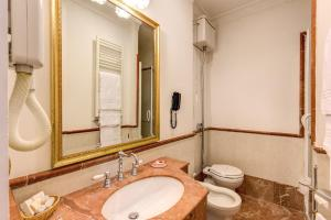 Hotel La Lumiere Di Piazza Di Spagna, Szállodák  Róma - big - 13