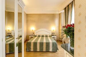 Hotel La Lumiere Di Piazza Di Spagna, Szállodák  Róma - big - 17