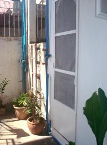Geordie's Hostel and Cafe, Penziony  Manila - big - 3