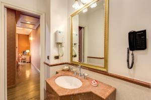 Hotel La Lumiere Di Piazza Di Spagna, Szállodák  Róma - big - 19