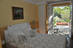 Bastide de l'Avelan, Отели типа «постель и завтрак»  Гримо - big - 2