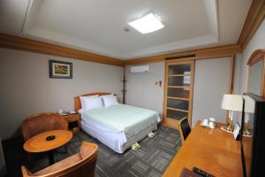 Hotel Savoy, Hotel  Changwon - big - 2
