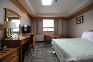 Hotel Savoy, Hotel  Changwon - big - 3