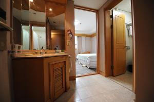 Hotel Savoy, Hotel  Changwon - big - 14