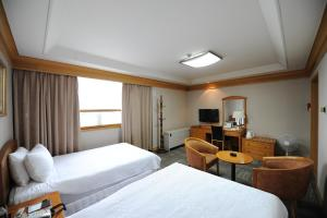 Hotel Savoy, Hotel  Changwon - big - 6