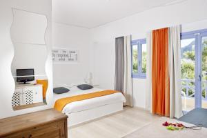 Acqua Vatos Santorini Hotel (Kamari)