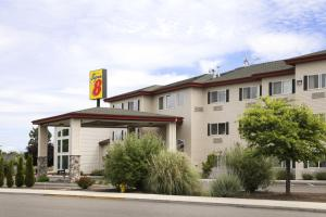 Super 8 Central Point-Medford