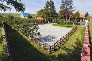 Casa Cu Nuc, Penzióny  Brebeni - big - 25