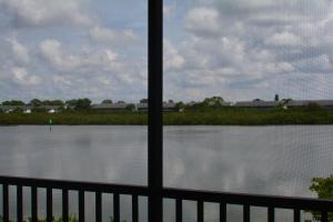 Deluxe One-Bedroom Apartment with Intracoastal Waterway View