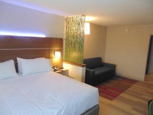 Hamilton Inn and Suites