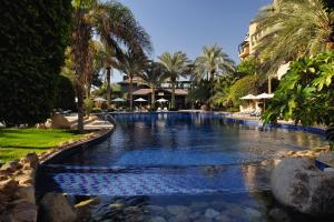 Movenpick Resort & Residences ..