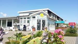 Familien- und Apparthotel Strandhof, Hotels  Tossens - big - 1