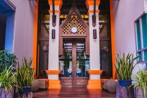 Paragon Inn, Отели  Лат-Крабанг - big - 47