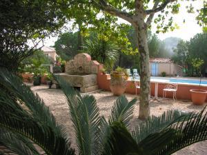 Bastide de l'Avelan, Отели типа «постель и завтрак»  Гримо - big - 62