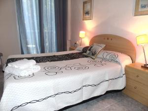 Double or Twin Room (1-2 Adults)