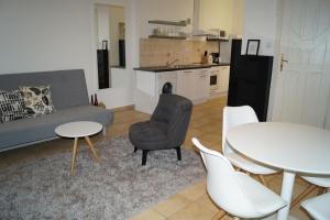 One-Bedroom Apartment - 1061. Liszt Ferenc tér 5. 3/3