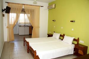 Karavos Hotel Apartments, Aparthotels  Archangelos - big - 2