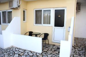 Karavos Hotel Apartments, Aparthotels  Archangelos - big - 32