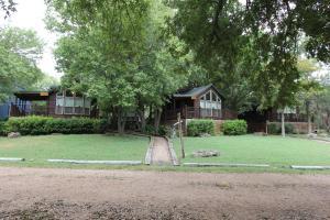 Olive Cabin, Lodge  Fredericksburg - big - 7