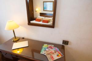 Hotel Reconquista Plaza, Hotels  Buenos Aires - big - 6