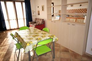 Casa Gabriella, Apartmanok  Imperia - big - 8