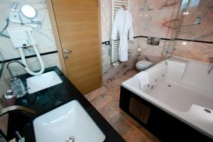 Hotel San Antonio, Hotels  Podstrana - big - 21