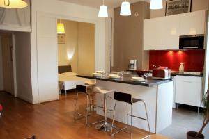 Appart' Sathonay, Apartmanok  Lyon - big - 23