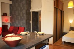 Appart' Sathonay, Apartmanok  Lyon - big - 18