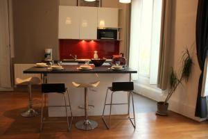 Appart' Sathonay, Apartmanok  Lyon - big - 14