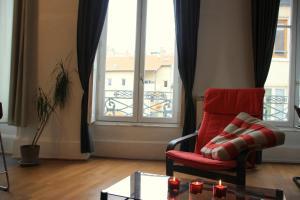 Appart' Sathonay, Apartmanok  Lyon - big - 10