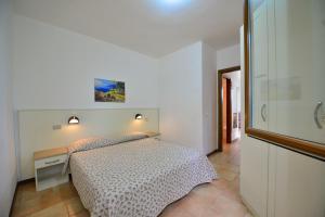 Camping Bella Italia, Комплексы для отдыха с коттеджами/бунгало  Пескьера-дель-Гарда - big - 15