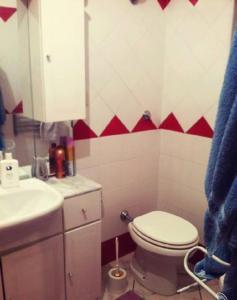Tweepersoonskamer met 2 Aparte Bedden en Eigen Badkamer