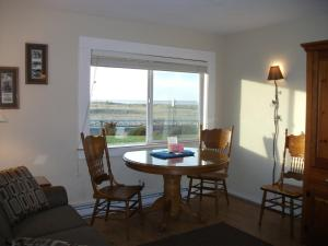 Apartment with Ocean View - Pet Friendly #101