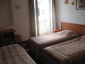 Hotel Les Arcades, Hotely  Saint-Cast-le-Guildo - big - 16