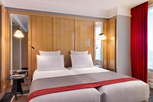Deluxe Room with Two Single Beds