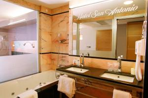 Hotel San Antonio, Hotels  Podstrana - big - 38