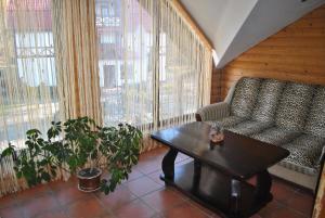 Inn Lisova Pisnya, Hotels  Zvinyach - big - 21