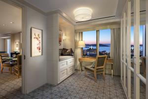Suite with Terrace and Sea Views