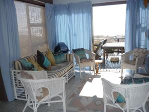 A1 Kynaston Accommodation, Bed and Breakfasts  Jeffreys Bay - big - 9
