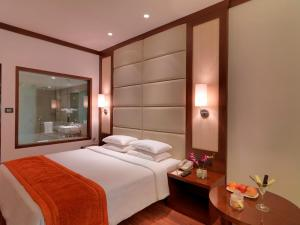 Royal Orchid Resort & Convention Centre, Rezorty  Bangalore - big - 5