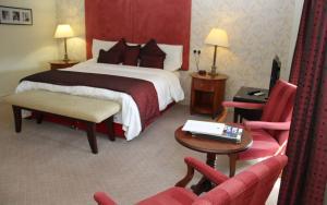 Honest Lawyer Hotel