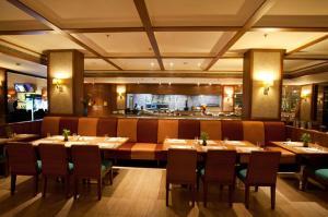 Royal Orchid Resort & Convention Centre, Rezorty  Bangalore - big - 20