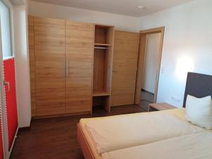 Ladis Living, Apartmanok  Ladis - big - 4