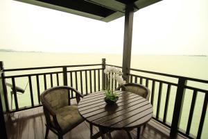 Sea Resort Private unit @ Langkawi Lagoon, Üdülőtelepek  Kampung Padang Masirat - big - 22